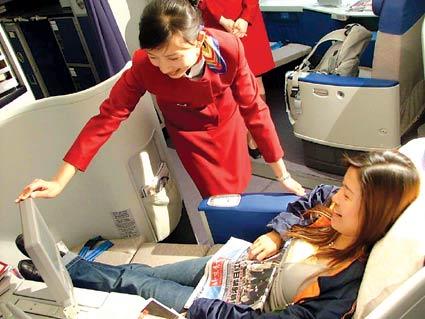 国航将在全国招募300名奥运空乘服务员