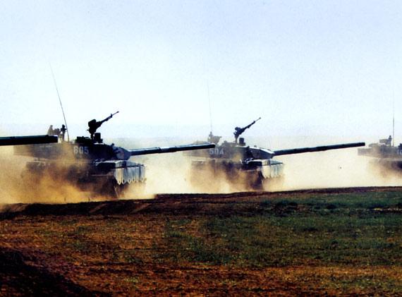 解放军仅花万元研制出坦克敌我识别装置(图)