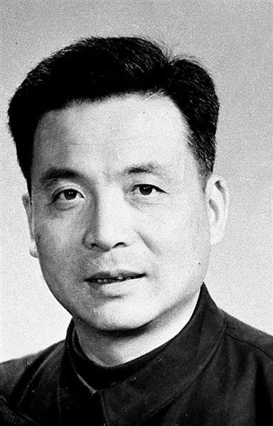 双百 人物中的共产党员 邓稼先