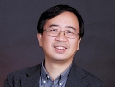 """最年轻的院士、27岁时科研成果就入选""""年度全球十大科技进展""""、31岁毅然回国组建自己的实验室、帮助中国在量子通信的前沿科技领域处于世界领先……近年来,在合肥工作的潘建伟是中国最耀眼的科技明星之一,也被认为是距离下一个科技诺贝尔奖最近的中国人之一。"""