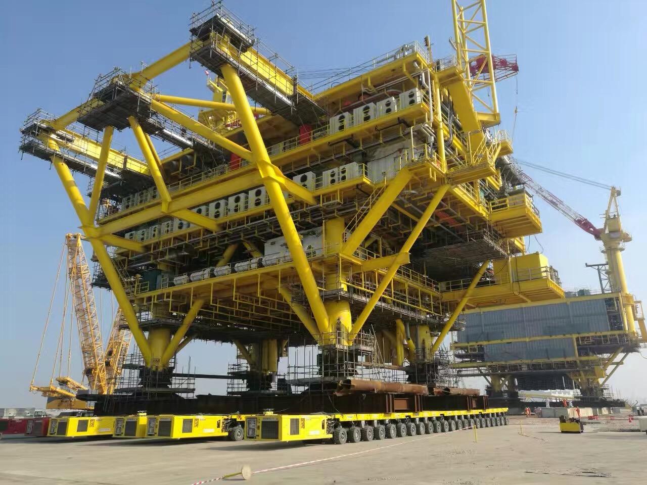 中国南海涠洲油气田平台