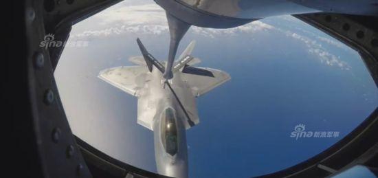 美军F-22演练快速猛禽