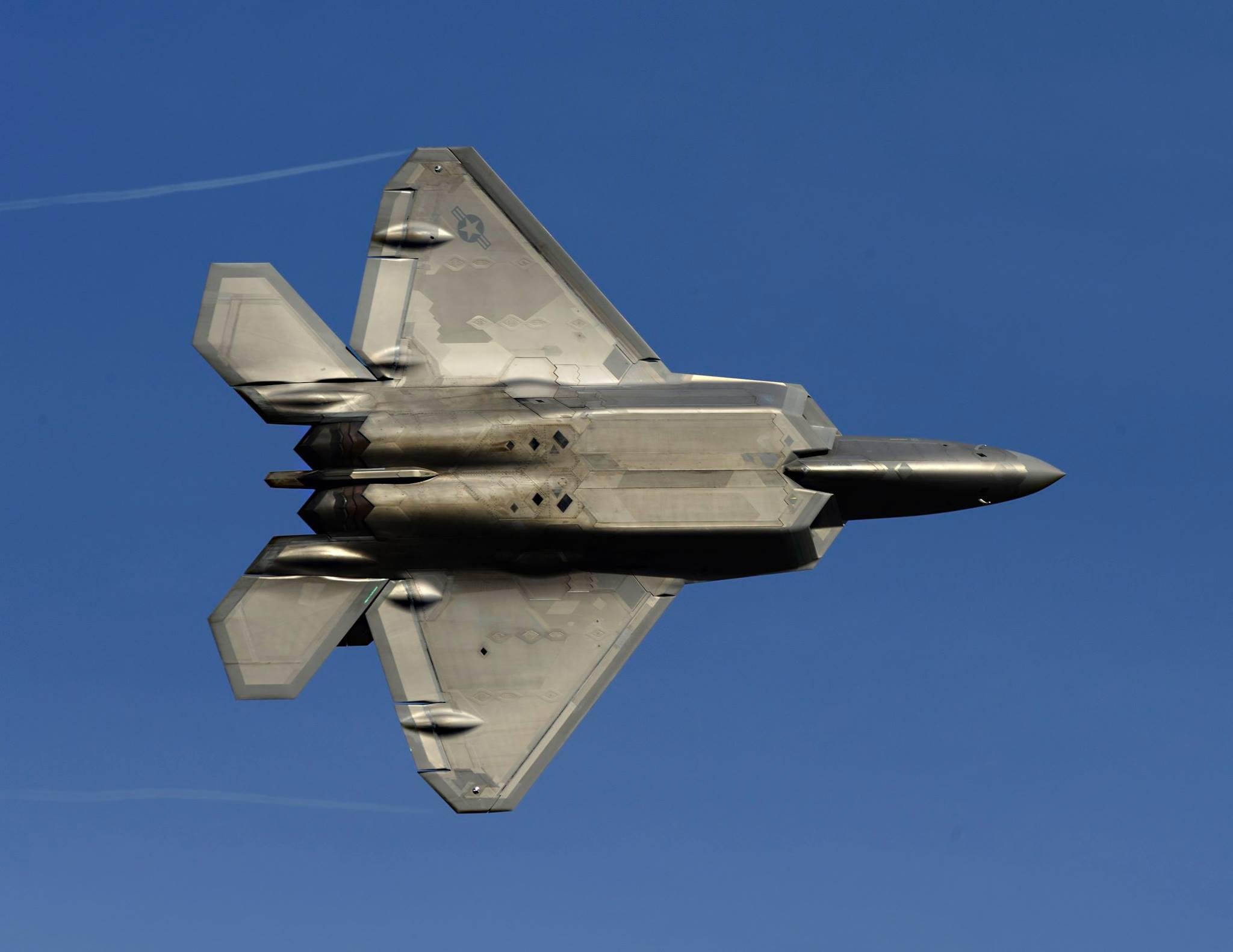 美空军F22秘密特训