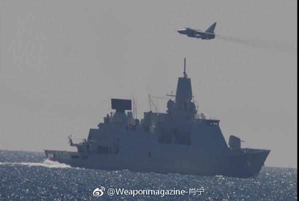 俄苏24低空接近荷军舰