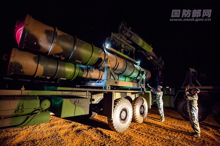 中国红旗9防空导弹夜训