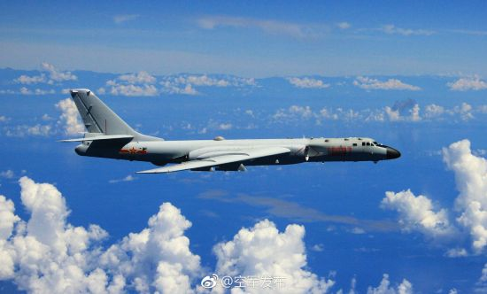 解放军轰6K再次绕飞台湾
