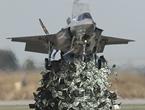 美空军又哭穷养不起战机