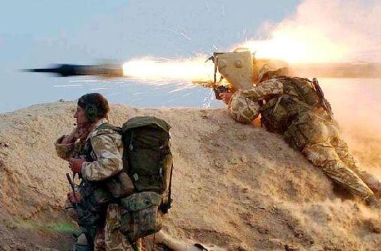 战地摄影师拍摄震撼图