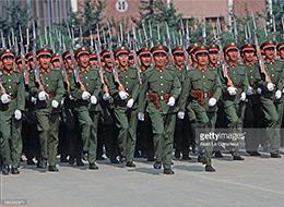 老外拍80年代中国军校