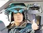 直10飞行员配整体式头盔
