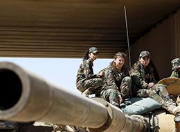 叙利亚战火中的花儿