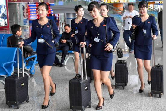 朝鲜空姐新版制服短裙亮相