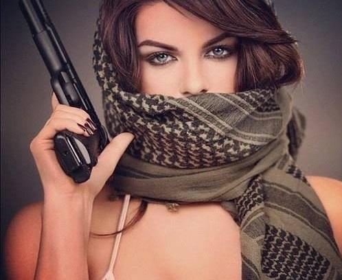 性感蒙面女枪手气质棒