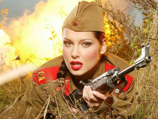 美女与枪械带来视觉盛宴