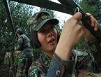 解放军女兵能读懂天书