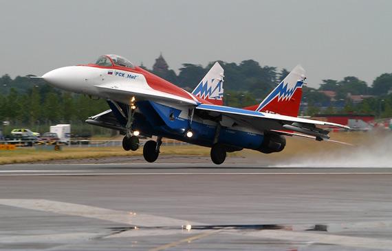 俄罗斯米格飞机制造公司正在研制大型无人机2007-06-21 09:52:22 米格公司称2020年前至少售出250架新型战机2007-06-19 11:09:15 俄米高扬公司为印度研制舰载型米格-29战机(图)2007-01-26 07:51:16 俄罗斯米格公司开展第5代轻型战斗机研制(图)2006-10-08 08:34:43 俄苏霍伊和米格公司将为乌克兰改进战机(组图)2006-09-11 08:28:35