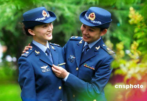 中国人民解放军八一换发新式军装