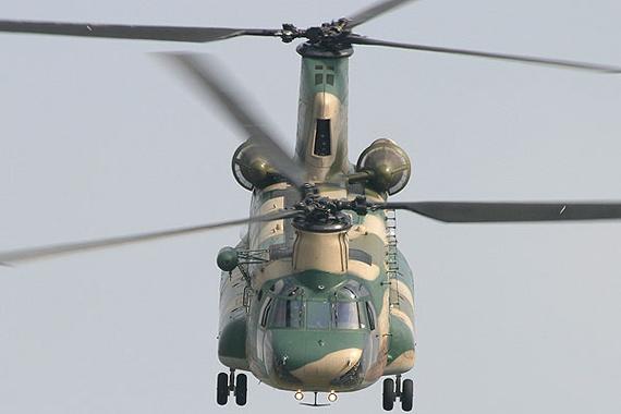 图文:日本08年仅采购1架CH-47J运输直升机