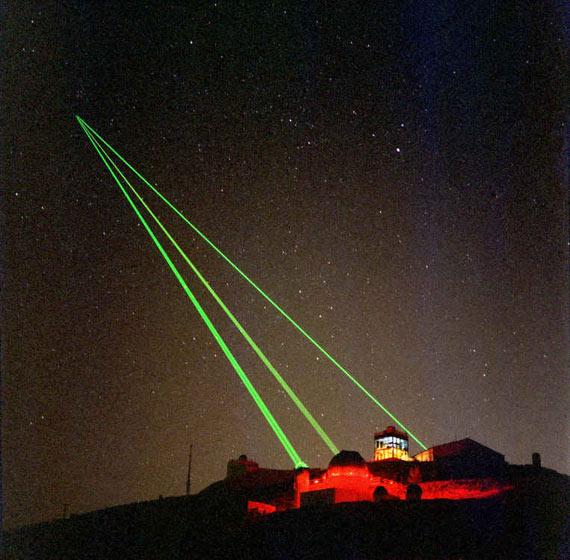 图文:美军激光武器试验