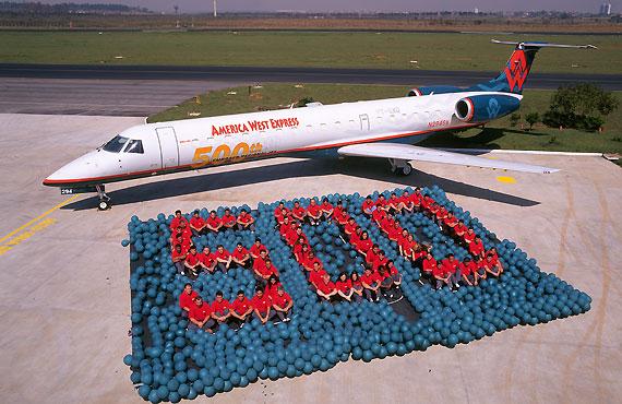 图文:第500架ERJ145交付现场