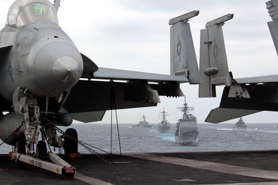 美军航母舰载机群谋求由海向陆绝对优势(组图)