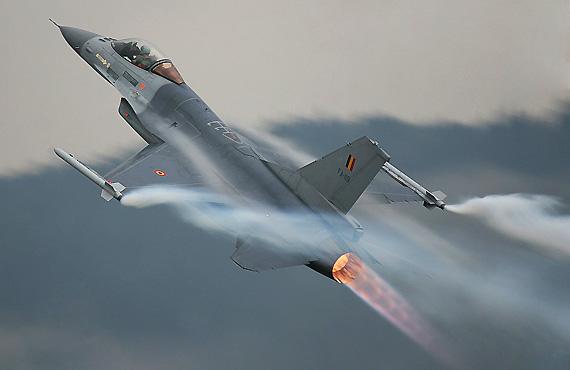 图文:德国空军f-16战斗机