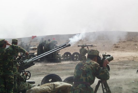 图文:解放军防空部队实弹演练