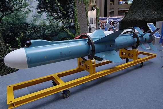 图文:台军最新型雄风-2E反舰导弹