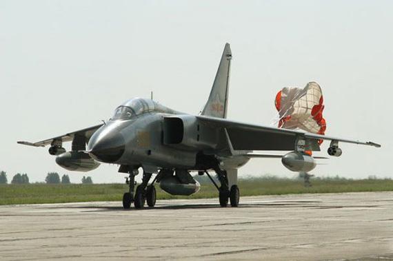 中国空军需要苏-25/A-10类型支援攻击机(组图)