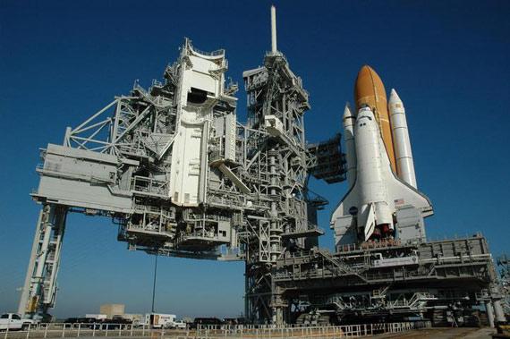 图文:发现号航天飞机是美国科技实力的象征