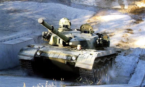 解放军重装部队高寒山地16小时极限机动(图)