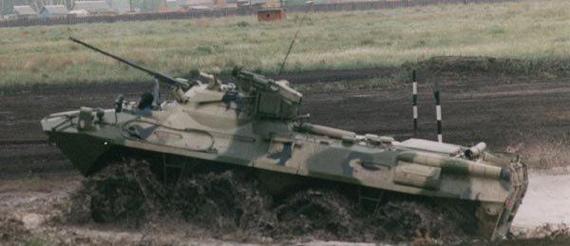 图文:俄罗斯最新型BTR-90轮式步兵战车性能测试