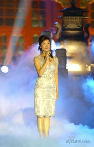 宋祖英演唱《小河淌水》