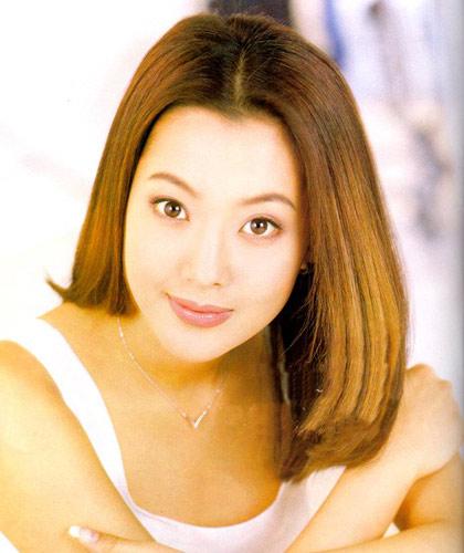 韩国第一美女金喜善十月嫁入豪门_普若蜜思婚