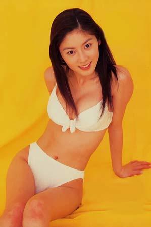 日本最红写真美少女原史奈性感泳装组图