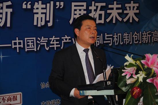 曾庆洪:重组要找准人才资源市场方向