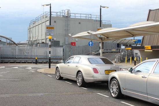 英国试驾宾利新飞驰V8 入住伦敦五星酒店