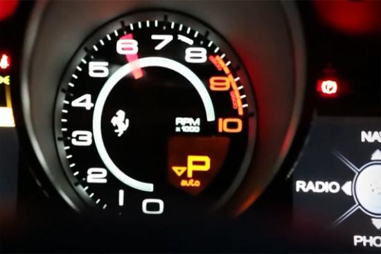视频:法拉利F12 夜色中最醒目的红色