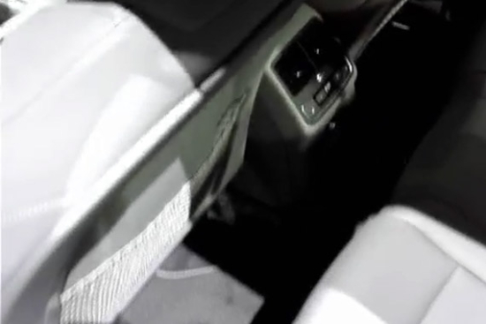 视频:胖哥带你看车展 奥迪A4内饰(三)