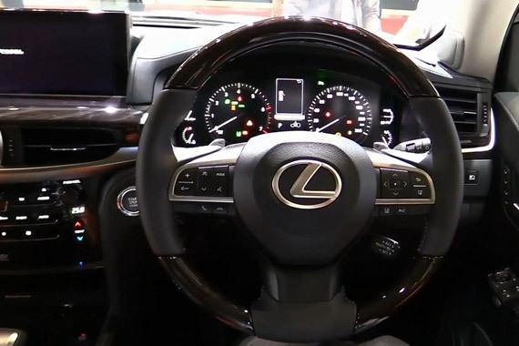 视频:重塑豪华SUV 2016雷克萨斯LX570