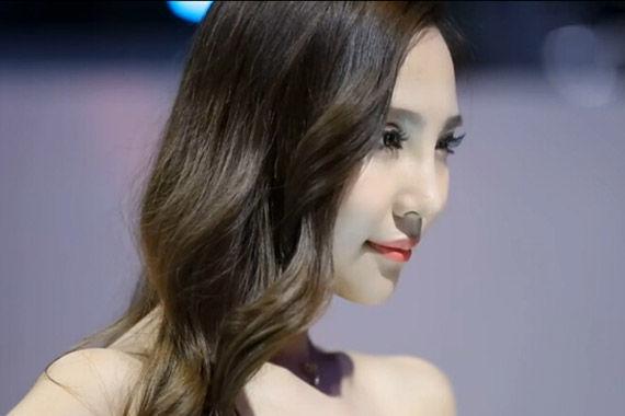 视频:广州车展必看身材气质佳靓女车模