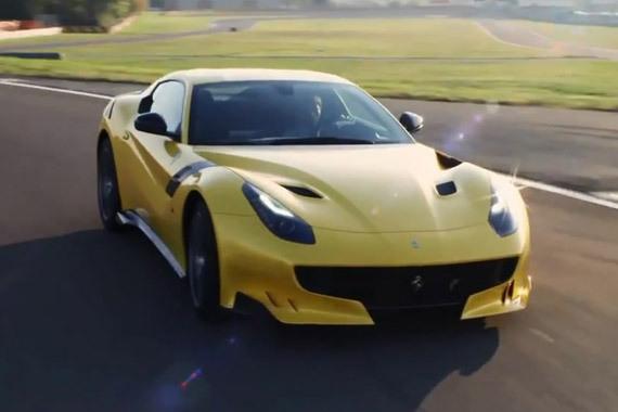 视频:跟我比速度?极速法拉利F12 tdf