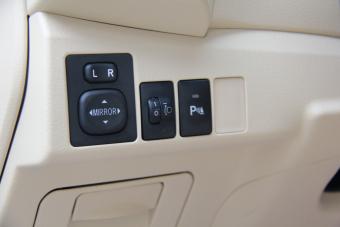 2014款卡罗拉1.6L手动GL-i真皮版
