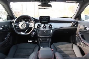 2015款奔驰CLA220 到店实拍