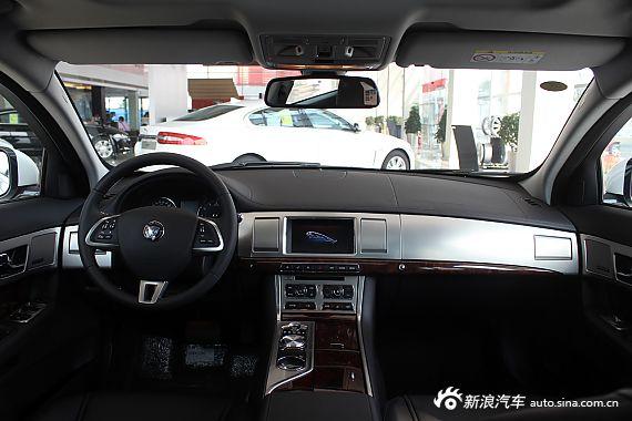 2015款 捷豹XF 2.0T Sportbrake 豪华版 到店实拍