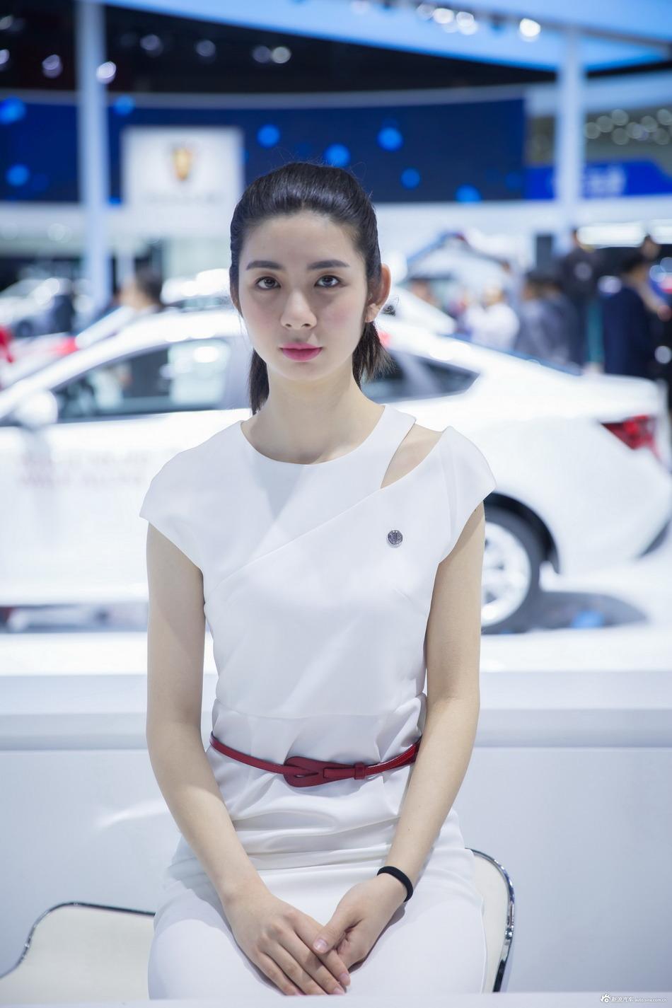 荣威RX5最低享8.8折 新浪购车报名中