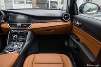 2017款Giulia 2.0T自动200HP豪华版