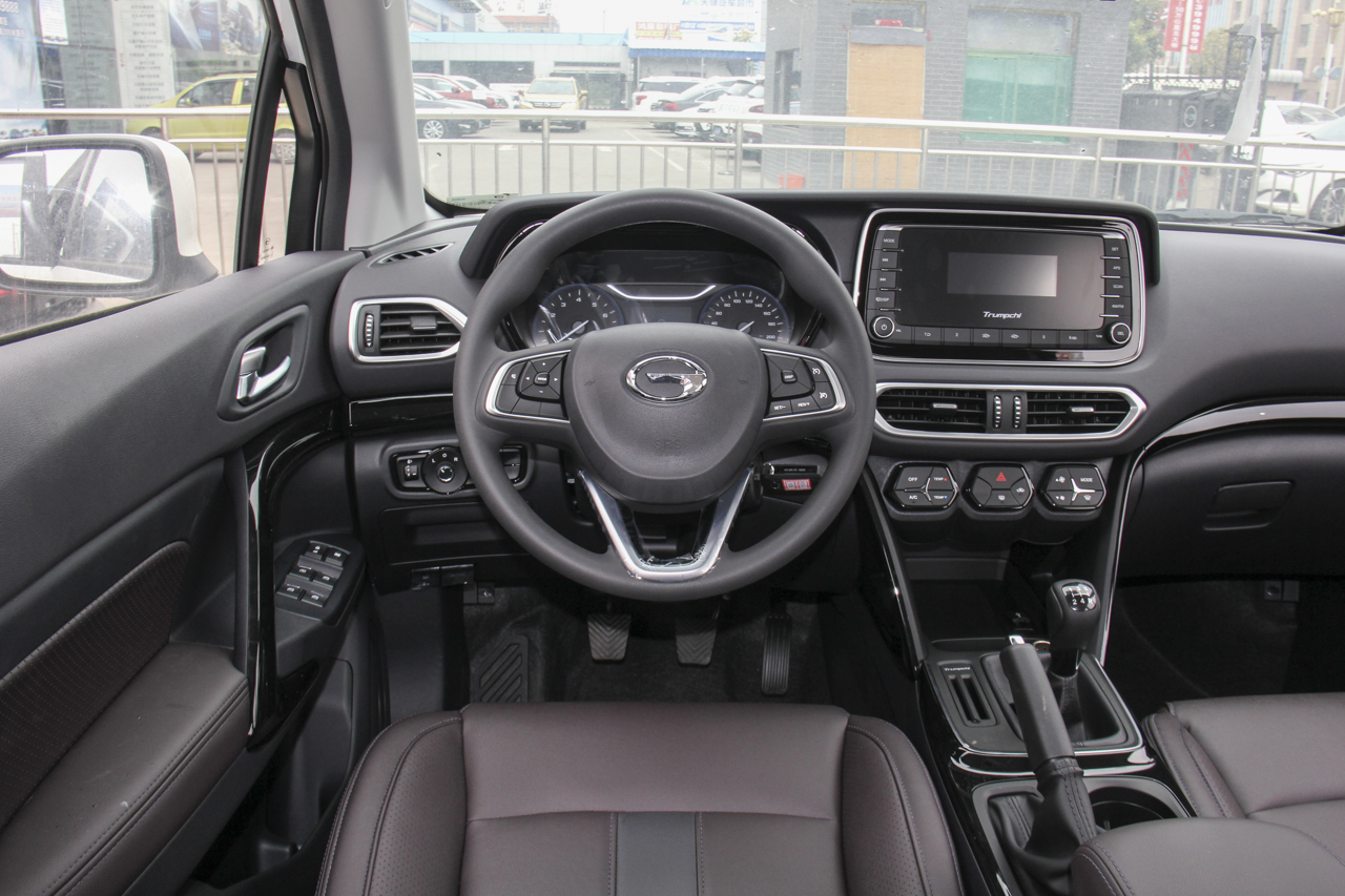 2018款传祺GS4 1.3T手动两驱精英版200T