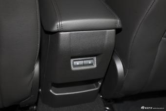 2018款福克斯三厢1.0T自动超能风尚型智行版EcoBoost 125