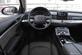 2017款奥迪A8L 4.0T自动60 TFSI quattro豪华型